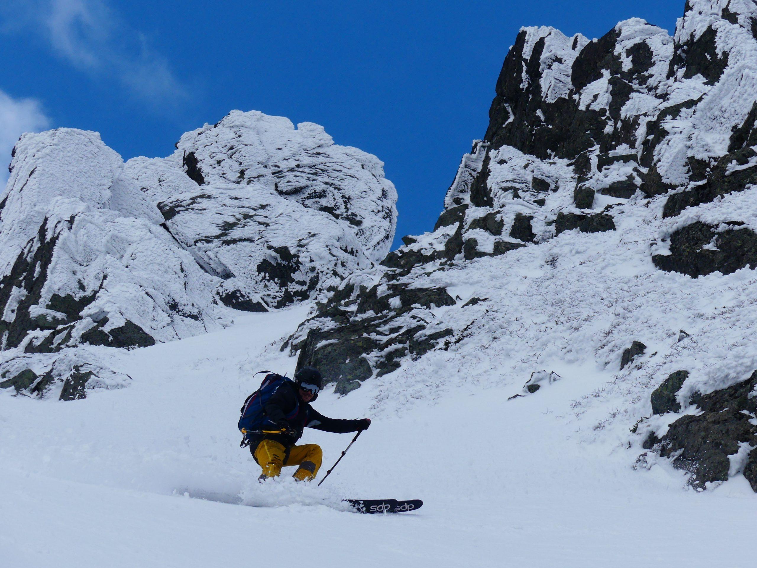 descenso en ski en las peinetas